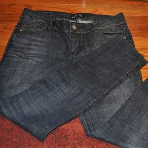 L.E.I. Ashley Trouble Skinny jeans euc size 13